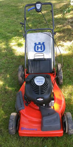Lawn Mower Husqvarna for Sale in Tigard, OR