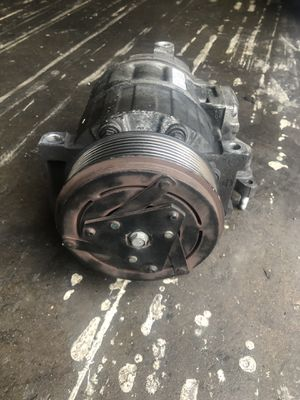 2004-2012 infiniti m,G35,G37 AC Compressor for Sale in Houston, TX