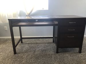 Desk with a file cabinet for Sale in Los Angeles, CA
