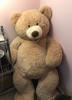 Giant stuffed bear for Sale in Tacoma, WA