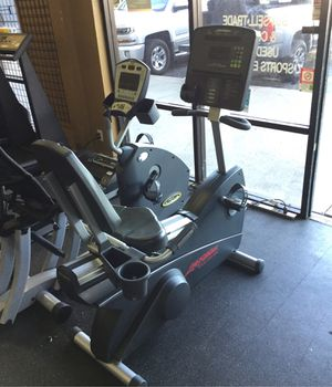 Life Fitness Club Series commercial grade recumbent exercise bike self generated power no plug needed for Sale in Phoenix, AZ