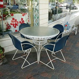 Mid century patio set fantastic form for Sale in Clovis, CA