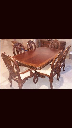 DINING ROOM TABLE! for Sale in Columbus, OH
