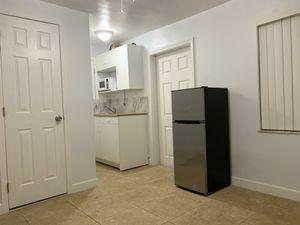 Studio para rentar for Sale in Miami, FL