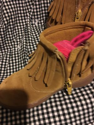 Good condition by Carter's girl boots size 8 $20 for Sale in Mesquite, TX