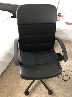 Like new swivel office chair for Sale in Washington, DC