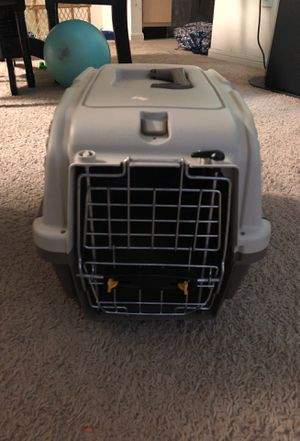 Small dog/cat crate for Sale in Houston, TX