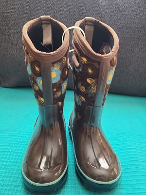 Girl's Bogs rain and isulated snow boots, size 12 for Sale in Westminster, CA
