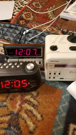 Lot of three alarm clocks for Sale in Coral Springs, FL
