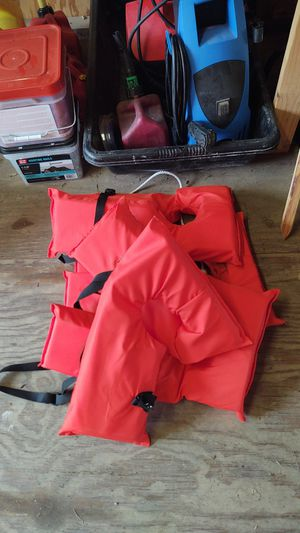 Life Jackets 4 singles for Sale in Alvin, TX