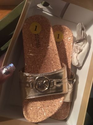 Little Girls Michael Kors Gold Slides for Sale in College Park, GA