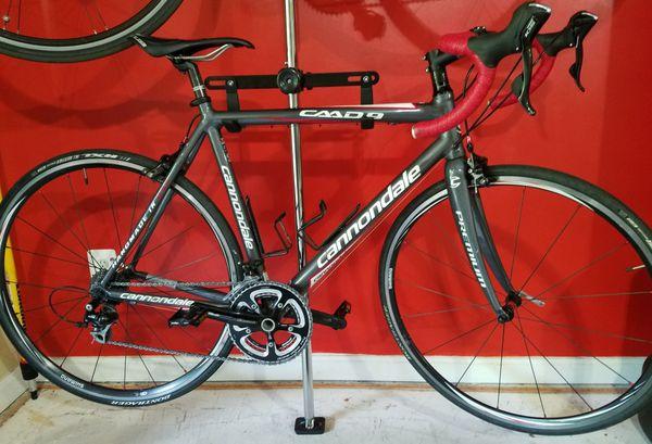 Pristine Cannondale CAAD 105 Road bike