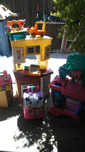 Free Toys for Sale in Fresno, CA