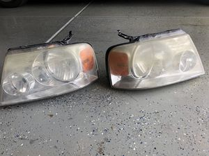 Headlights to 2005 Ford F-150 for Sale in Gilbert, AZ