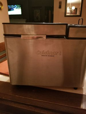 Cuisinart conventional bread maker for Sale in Nashville, TN