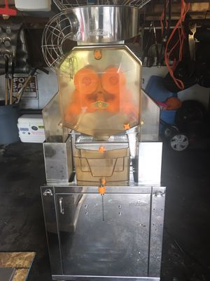 Commercial orange juice machine for Sale in Knoxville, TN