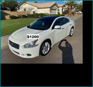 $1200 Nissan MAxima for Sale in Cedar Rapids, IA