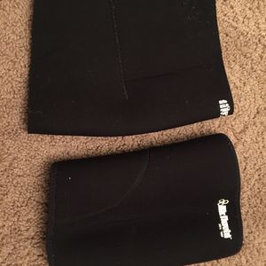 2 Xxl Knee Braces for Sale in Orlando, FL