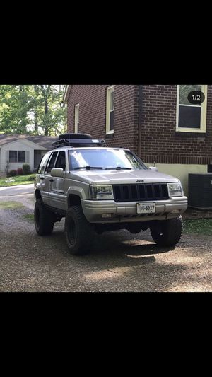 1998 Jeep Grand Cherokee limited V8 4x4 for Sale in Martinsville, VA