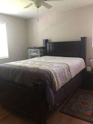 Queen bed set for Sale in Arlington, VA