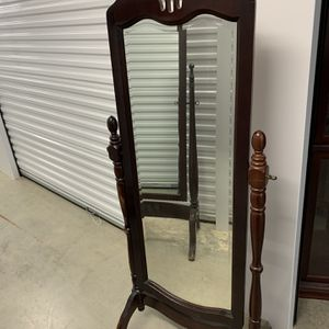 Serious Buyers Please! Antique Looking Mirror for Sale in Houston, TX