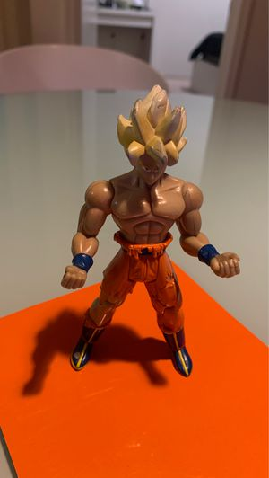 Súper sayian Goku action figure for Sale in Petaluma, CA