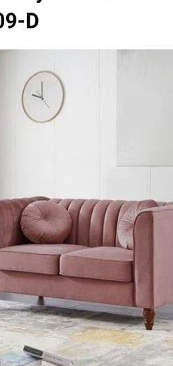 """UIXE Velvet Chesterfield 66.5"""" Rolled Arm Loveseat Fabric: Velvet in Pink, Size 31""""H X 66""""W X 31""""D for Sale in Avocado Heights,  CA"""