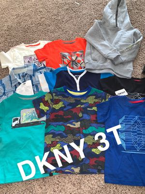 LITTLE BOYS DKNY SHIRT & SWEATER for Sale in Chicago, IL