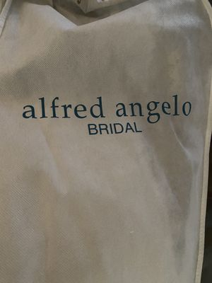 Alfred Angelo Bridal Wedding Dress and crowns Front and Back and little vest to put on shoulder, Look at the pictures. for Sale in City of Industry, CA
