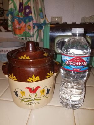 Cute small vintage floral crock with lid for Sale in Peoria, AZ
