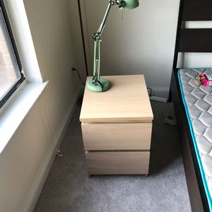 Bedside table for Sale in Mount Rainier, MD