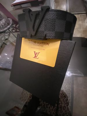 L.V. leather belt size 34/36 with box for Sale in La Mesa, CA