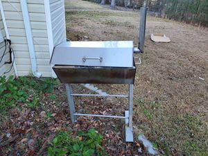 Bbq grill for Sale in Ellenwood, GA