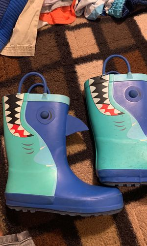Rain boots 11c for boys for Sale in Bakersfield, CA