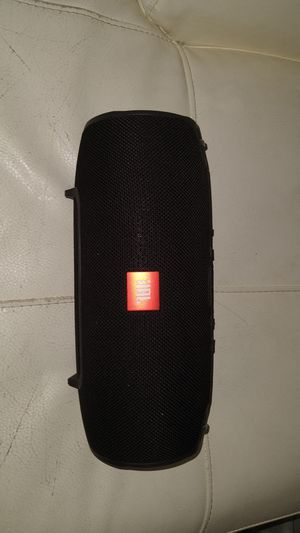 JBL speaker (broken) with charger for Sale in Peabody, MA
