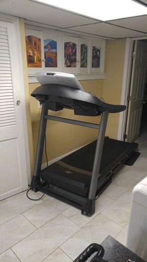 Treadmill NordicTrack C 900 for Sale in Revere, MA