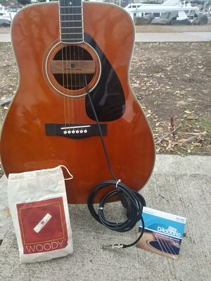 Yamaha FG 340T Dreadnaught Accoustic Guitar 1980 & Original Case and Accessories. In Supreme Condition. for Sale in San Diego, CA