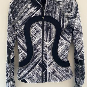 Lululemon Womens Jacket Sz S for Sale in Springfield, VA