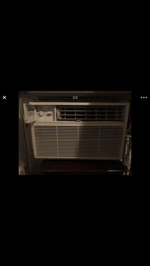 6200 BTU air conditioner. Works great blows very cold air for Sale in Washington, DC