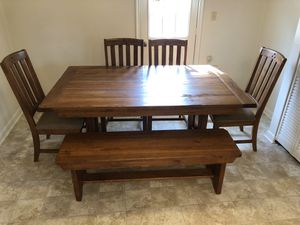 Broyhill Kitchen Table for Sale in Virginia Beach, VA