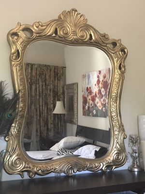 """50""""X40"""" X Large Antique gold solid Wood very heavy mirror for Sale in Gainesville, VA"""