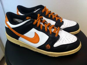 Nike Dunk Low 'Halloween' Ghost (GS) (Rare) Youth Size: 6.5Y Woman Size: 8 (2007) for Sale in Bellflower, CA