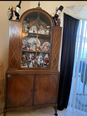 Antique Wood hand crafted china cabinet for Sale in Pompano Beach, FL