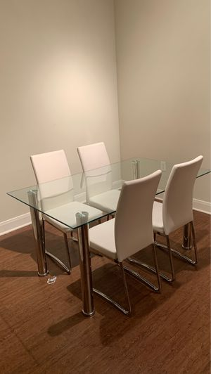Glass Dining table with White leather seats for Sale in Houston, TX