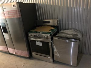 Set stove refrigerator stainless steel for Sale in The Bronx, NY
