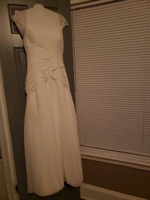 Want Gone Now David's Bridal Wedding Dress for Sale in Dunedin, FL