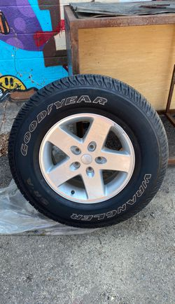 Jeep Wrangler stock rims n tires for Sale in San Diego,  CA