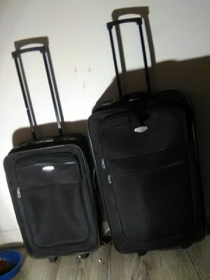 2 piece luggage set for Sale in Baytown, TX