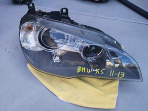 Bmw X5 2011 2012 2013 right headlight bi xenon for Sale in Lawndale, CA