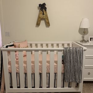 Casey Crib And Changing Table for Sale in Fontana, CA